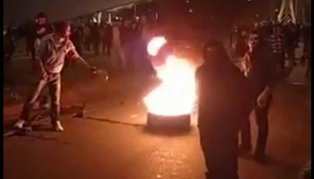 В Грузии стихийная акция против полиции переросла в беспорядки