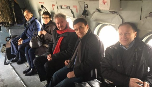 Foreign Ministers of Ukraine and Luxemburg leave for Donbas