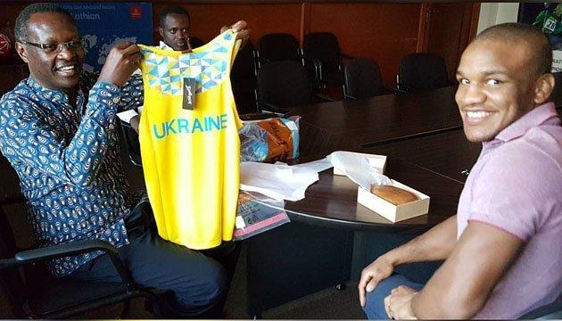 Жан Беленюк в Руанді знайомиться з родичами