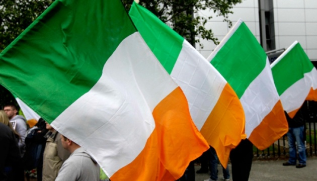 Прем'єр Ірландії подав у відставку з посади глави правлячої партії