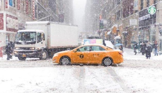 У Нью-Йорку ввели надзвичайний стан - насувається снігова буря