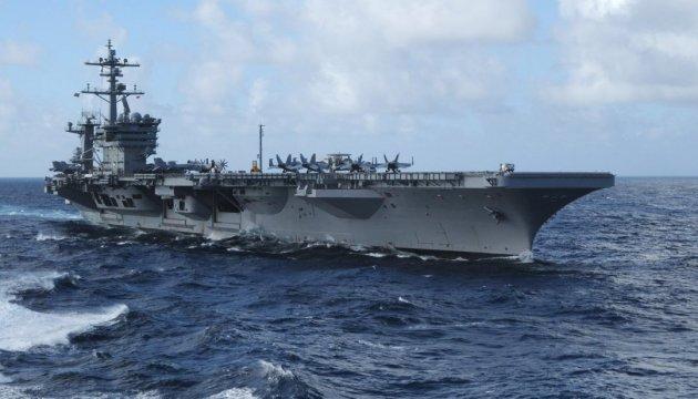 Авіаносець Carl Vinson прибуде в Японське море за кілька днів – Пенс