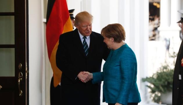 Трамп подякував Меркель за зусилля в урегулюванні ситуації на Донбасі
