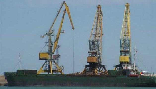 В Україну повернулися семеро моряків із затонулого біля Лівії судна