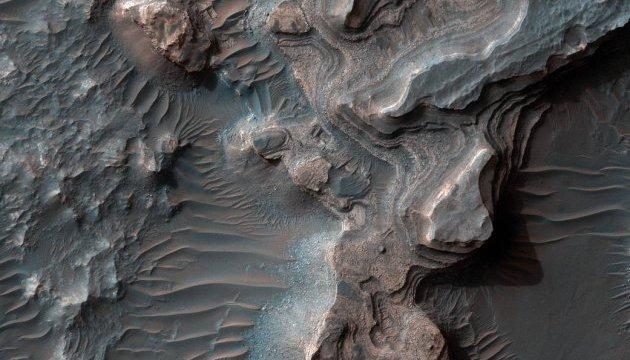 NASA показало глиняну долину на Марсі