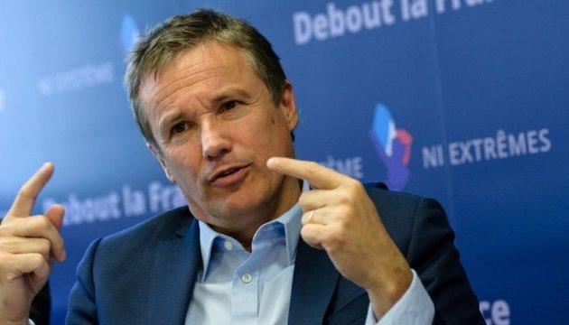 Кандидат у президенти Франції був в аеропорту Орлі під час стрілянини
