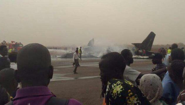 В аэропорту Южного Судана разбился самолет: 44 жертвы