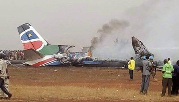 Авиакатастрофа в Южном Судане: под обломками нашли девятерых выживших
