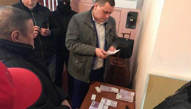 На Київщині сільського голову взяли на хабарі у €250 тисяч