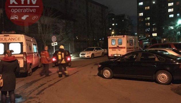 На столичной Оболони из-за пожара из дома эвакуировали 30 человек
