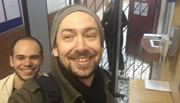Полиция Москвы отпустила задержанных корреспондента УНИАН и оператора