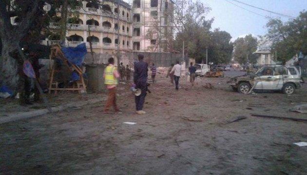 Теракт в Сомали: погибли не менее 10 человек