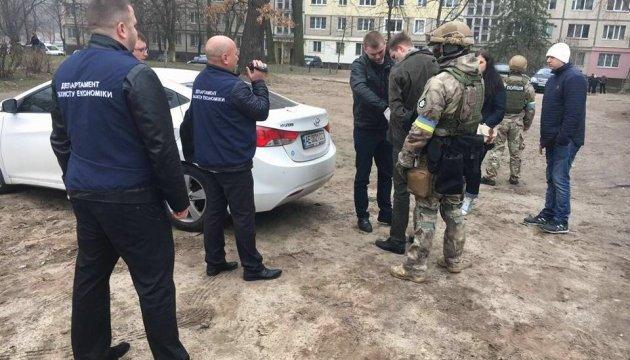 Головного ревізора ДФС спіймали на хабарі в 270 тисяч - Аваков