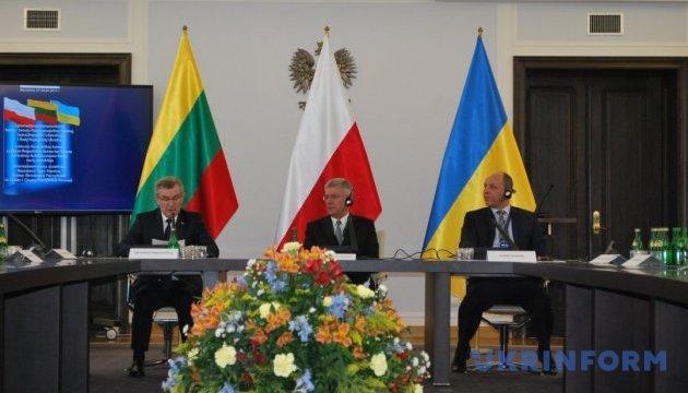 Межпарламентская ассамблея в Варшаве призывает продлить санкции против РФ