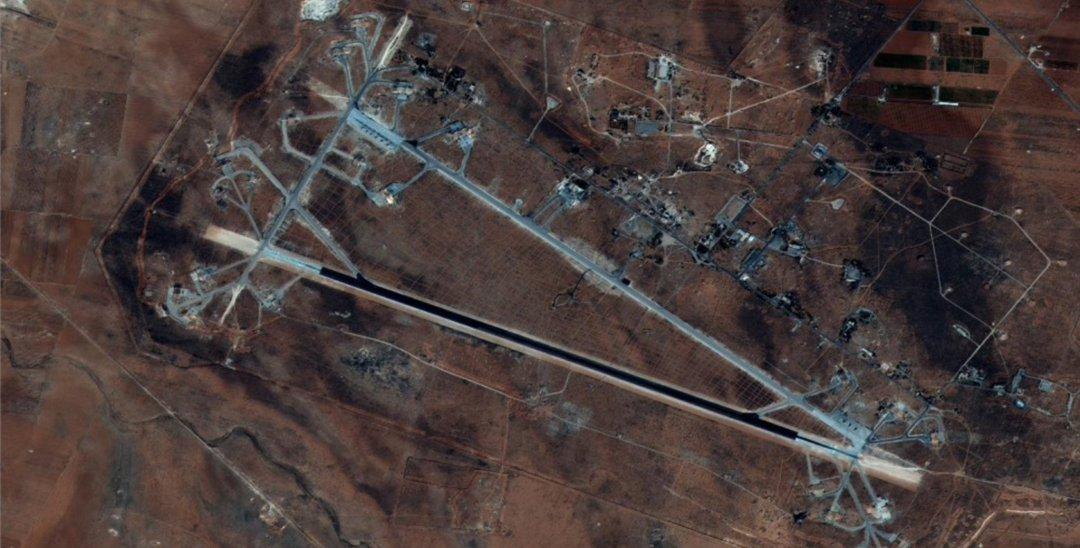Розбомблена авіабаза в Сирії після ракетного удару США // Фото: AFP