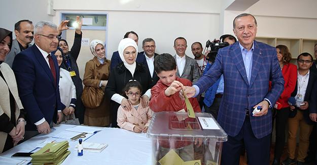 голосує Ердоган фото: Hurriyet