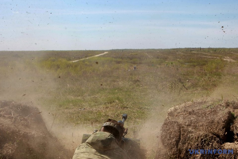 L'invasion Russe en Ukraine - Page 6 1493194476-7624