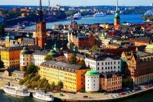 У Швеції максимальну кількість учасників публічних заходів обмежили до восьми
