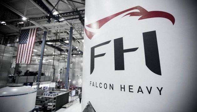 SpaceX планує запуск надважкої ракети Falcon на кінець літа