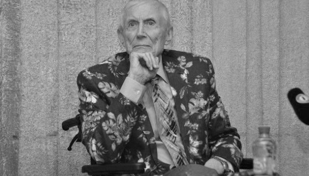 У Нью-Йорку помер поет Євтушенко