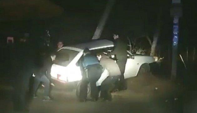 П'яний водій врізався в електроопору, намагаючись втекти від патрульних