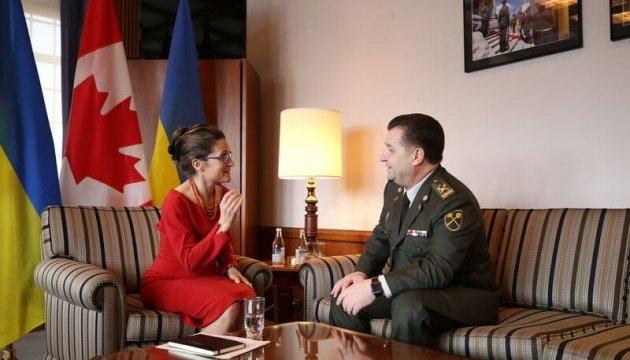 Полторак обговорив із Фріланд операцію UNIFIER