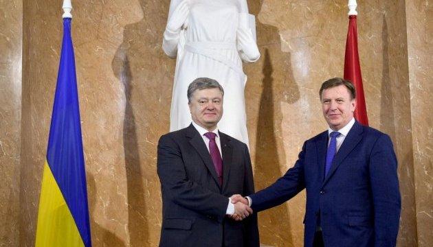 Порошенко розповів про співпрацю з Латвією в оздоровленні та реабілітації