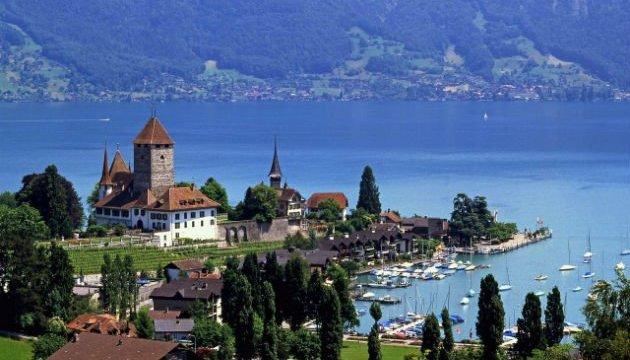 Відтепер у Женеві можна засмагати топлес