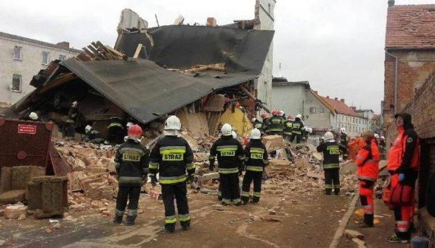 Кількість загиблих під руїнами будинку у Польщі зросла до чотирьох