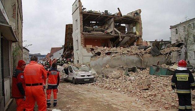 Обвал будинку у Польщі: вже 5 загиблих, живими вдалося дістати 4 людей