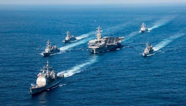 Ударна група ВМС США прямує з Сингапура до Кореї