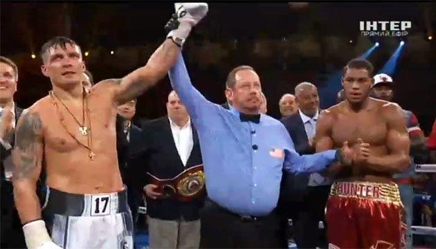 Усик захистив титул чемпіона WBO у поєдинку проти Гантера