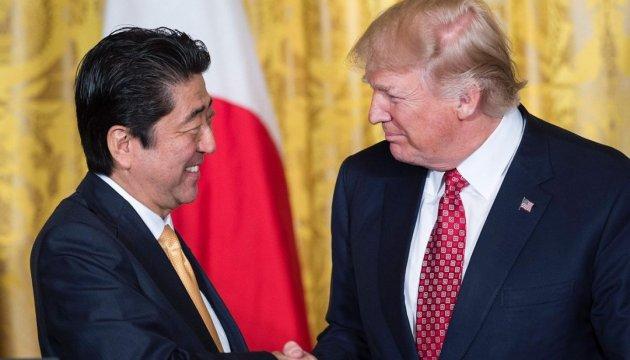 Прем'єр Японії обговорив з Трампом подальші дії щодо КНДР