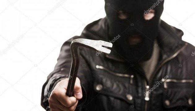 На Харьковщине ищут разбойников в балаклавах
