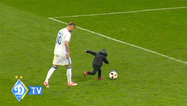 Ярмоленко вивів сина на футбольне поле НСК