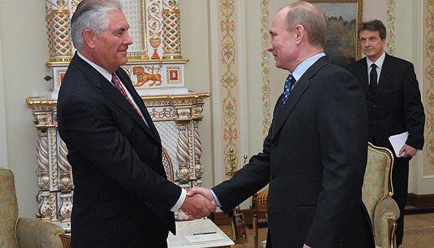 Госдеп сообщил, о чем говорили Тиллерсон и Путин