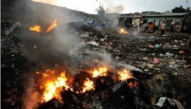 Обвал на сміттєзвалищі в Коломбо: 16 загиблих, 12 поранених