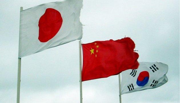 Японія закликає Китай до більш активного стримування КНДР