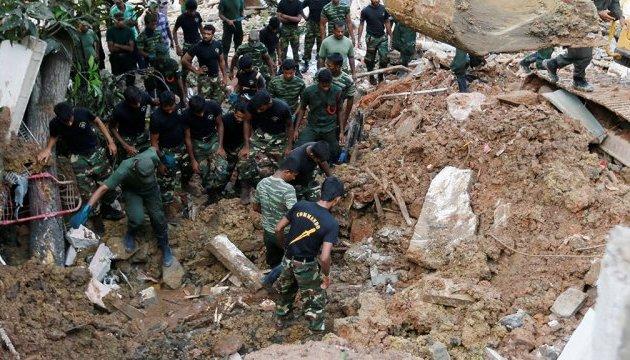 Кількість жертв повеней і зсувів на Шрі-Ланці сягнула сотні