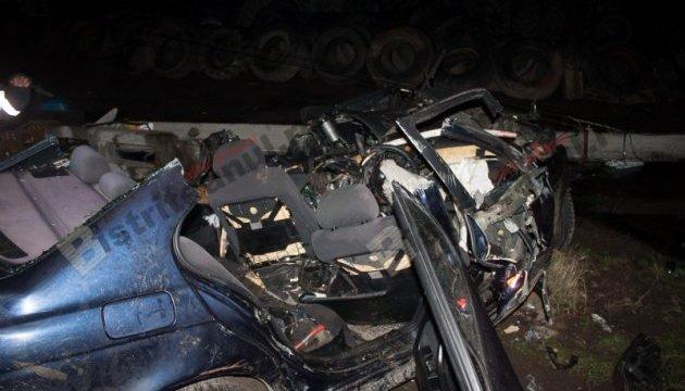 У Румунії автомобіль врізався у стовп: четверо загиблих