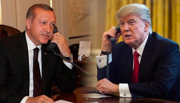 Трамп привітав Ердогана з результатами референдуму