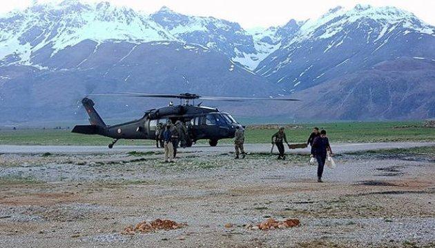 У Туреччині розбився вертоліт з 12 людьми на борту
