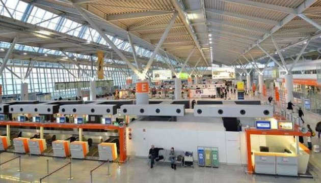 На летовищі у Варшаві пасажир невдало пожартував про бомбу