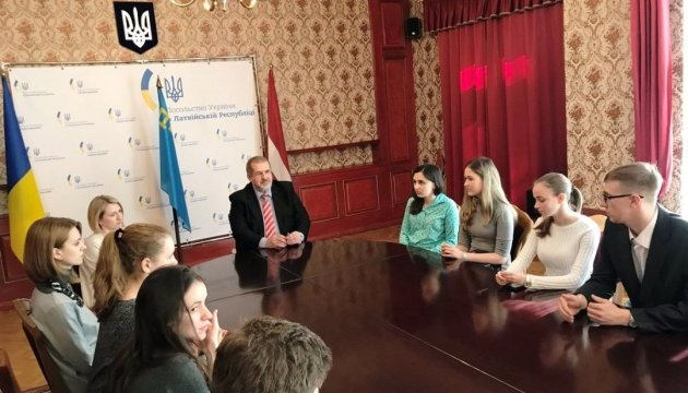 Чубаров розказав в Ризі про поточні проблеми кримських татар