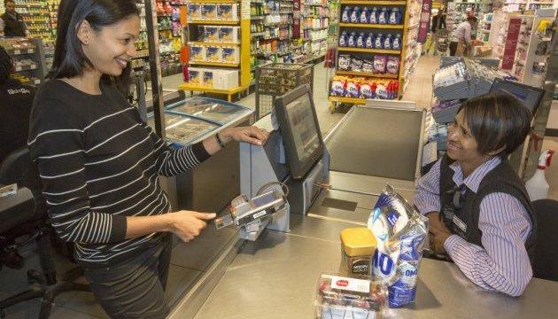 Mastercard вбудувала сканер відбитків пальців у нові карти
