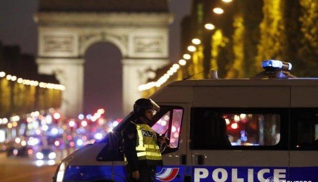 Стрілянина у Парижі: вбито поліцейського