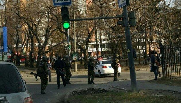 ФСБ заявляє, що хабаровський нападник пов'язаний з неонацистами