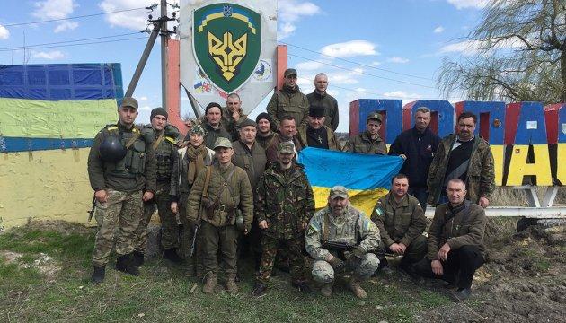 Великдень на передовій: Україна воскресає у наших із вами серцях