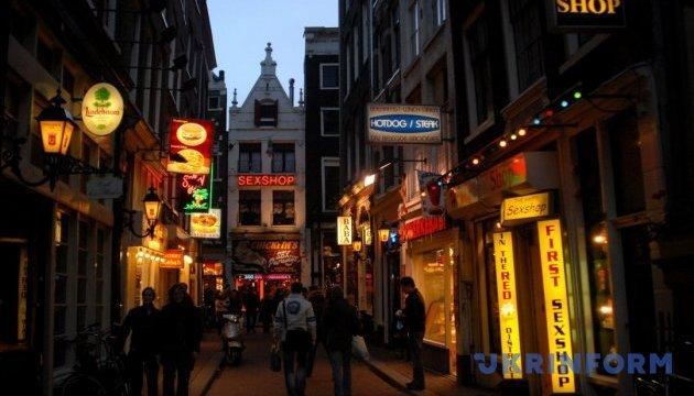 Побачити найкращі пам'ятки Амстердама допоможуть кросівки