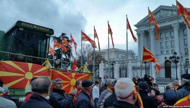 В Македонии вновь требовали досрочных парламентских выборов